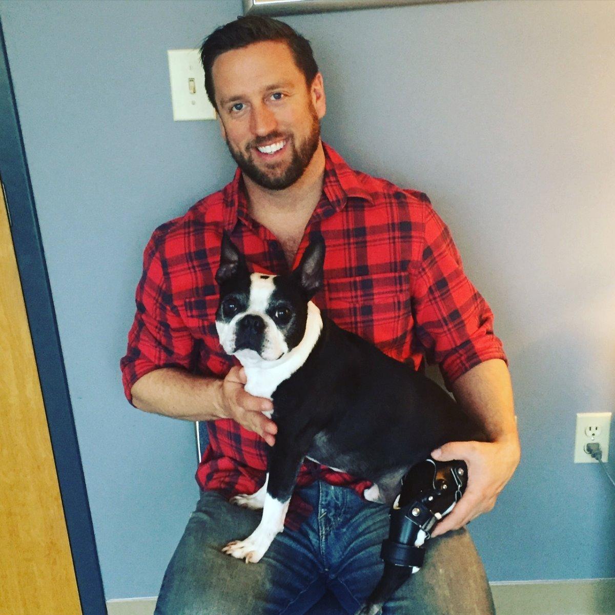 Derrick Campana, l'orthoprothésiste de votre chien handicapé