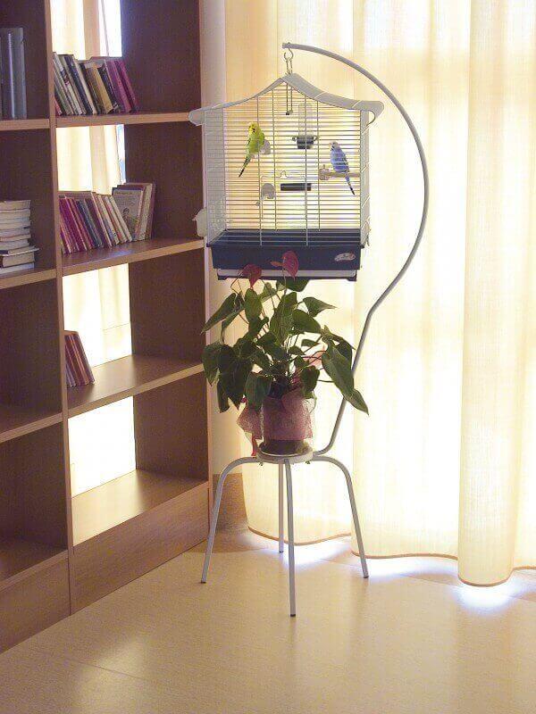 pieds pour cages suspendre blancs luc pied de cage. Black Bedroom Furniture Sets. Home Design Ideas