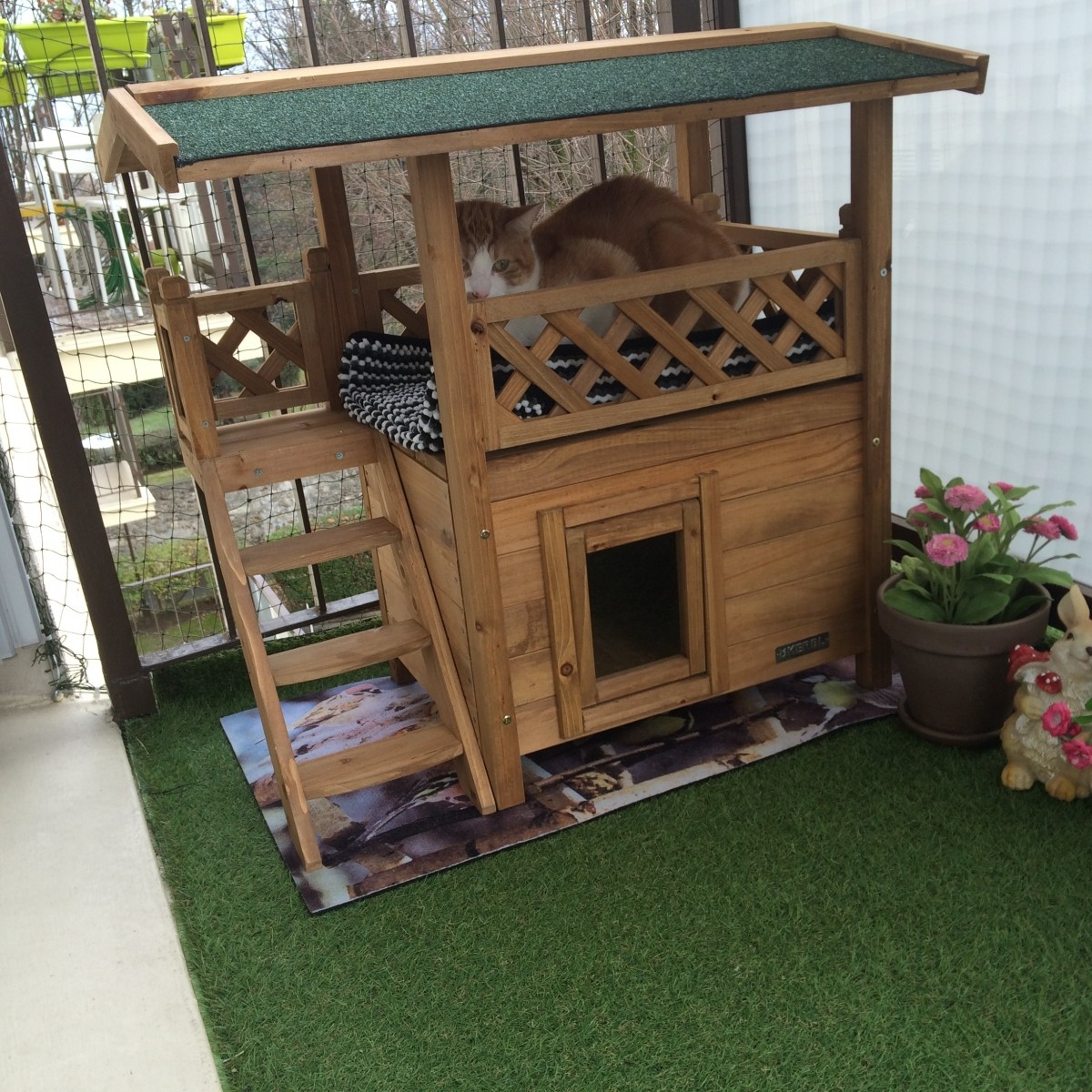 Maisonnette pour chat lodge couchage chat for Abri exterieur chat