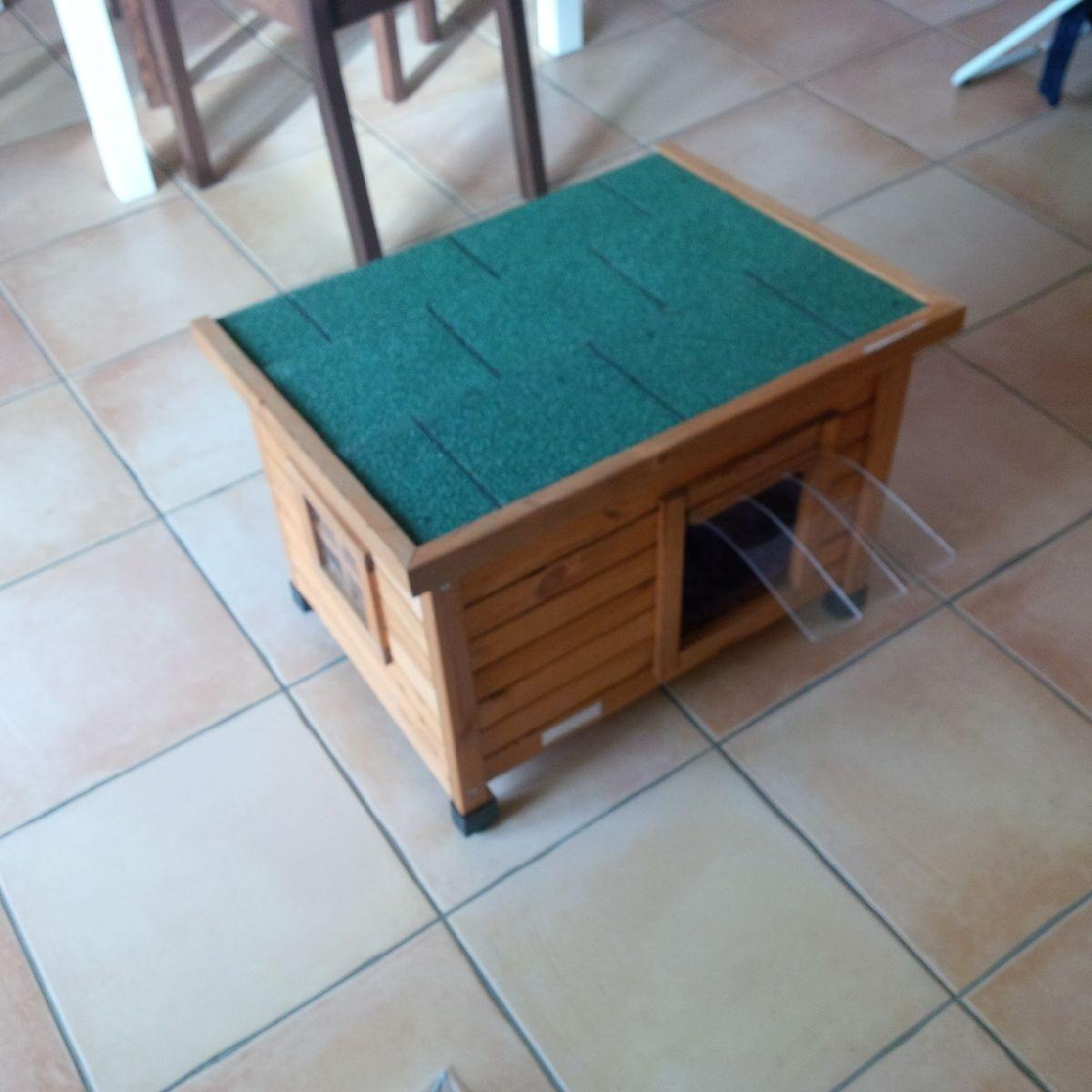 maison ext rieure pour chat rustica couchage pour chat. Black Bedroom Furniture Sets. Home Design Ideas